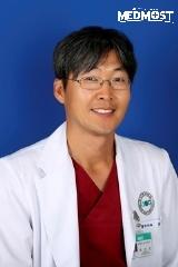 13 октября в Караганде — бесплатные консультации торакального хирурга из южнокорейского госпиталя «Бунданг Чесенг»